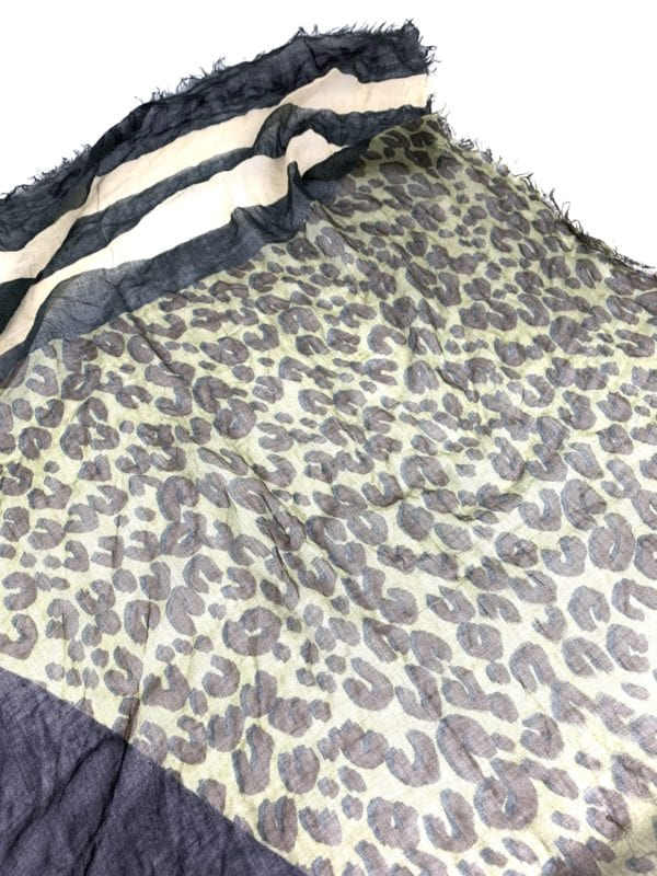 Louis Vuitton Leopard V Stole Khaki Vanilla