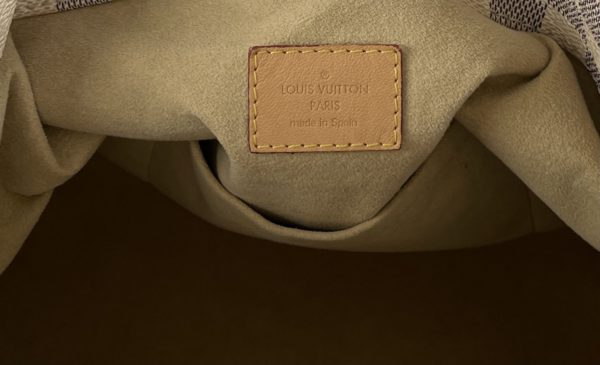 Louis Vuitton Azur Artsy MM logo